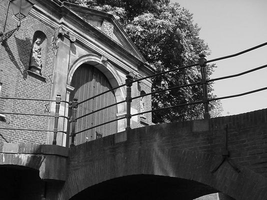 a bridge too far - bas de esch | www.dreamscapedesigns.nl