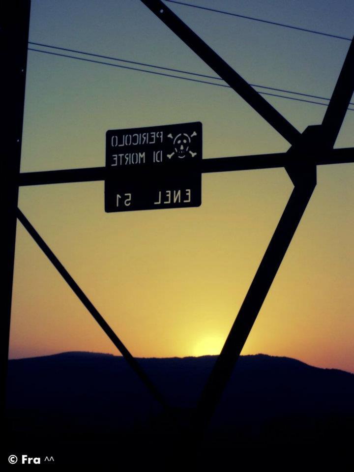 A dangerous sunset . ©