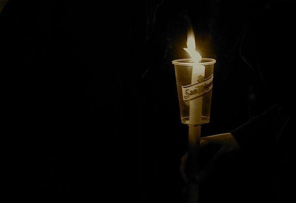 A la luz de una vela II.