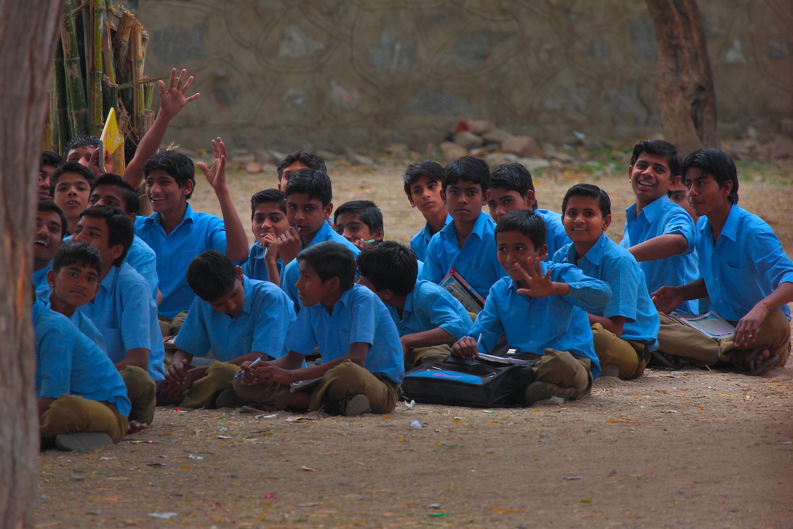 A l'école du village, campagne du Rajasthan.