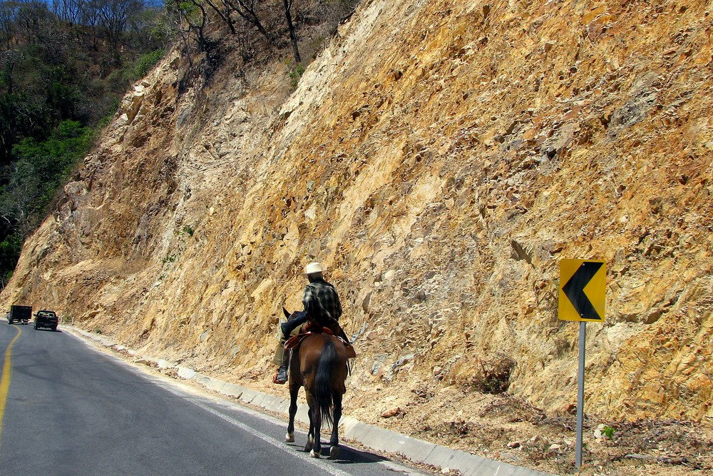 A Long and Dangerous Road - Only in Mexico !?