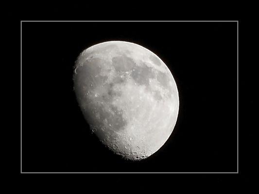 ...'A Luna 'e Napule...