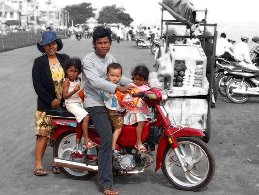 A moto, Cambodge