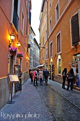 A passeggio per le strade di Roma