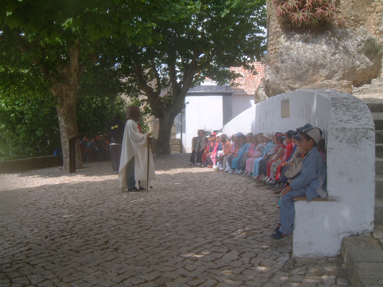 A School Class and a Knight with Jeans, Obidos