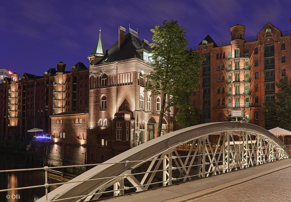 A - Seite vom Wasserschlößchen Hamburg