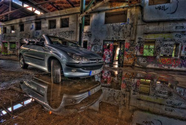--- A special car ---