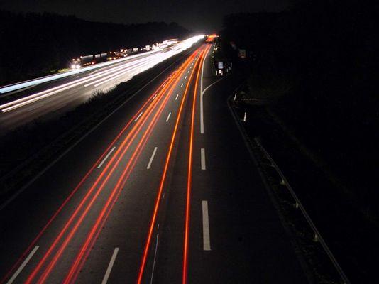 A2 bei Nacht