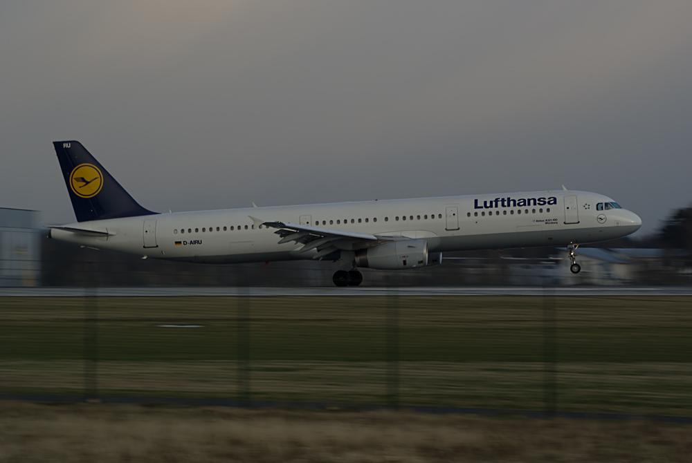 A321-100