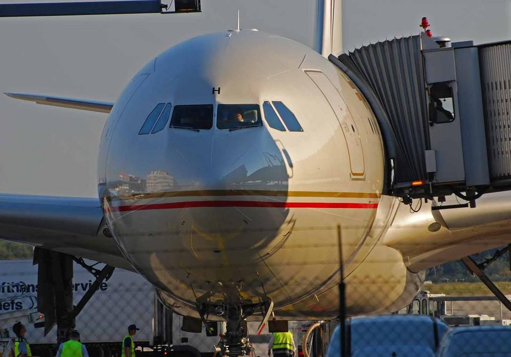 A330 Etihad bei der Abfertigung