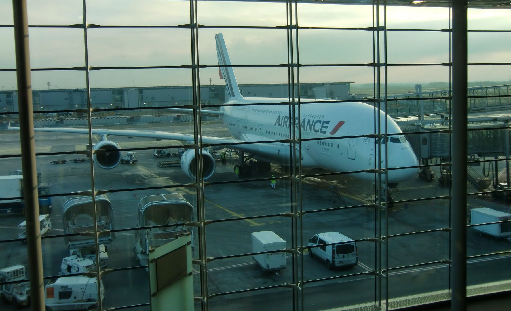 A380 Air France hinter Gittern!