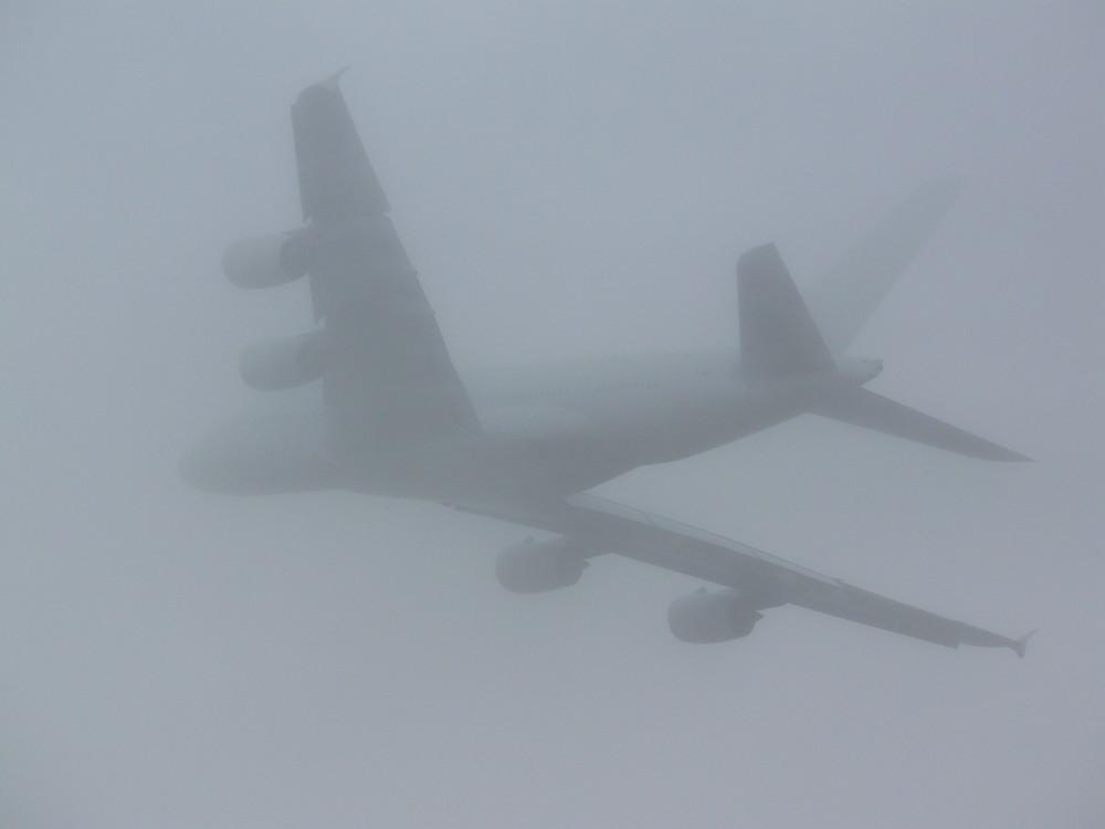 A380 dans la brume