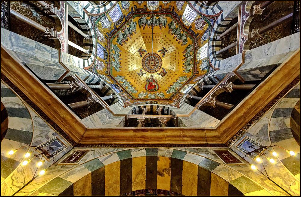 Aachener Dom - Das karolingische Oktogon II