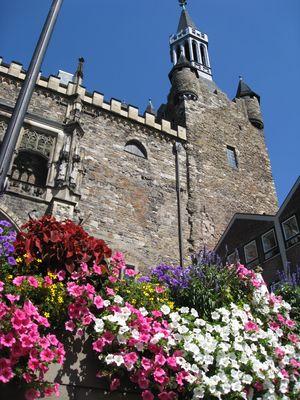 Aachener Rathaus im Sommer