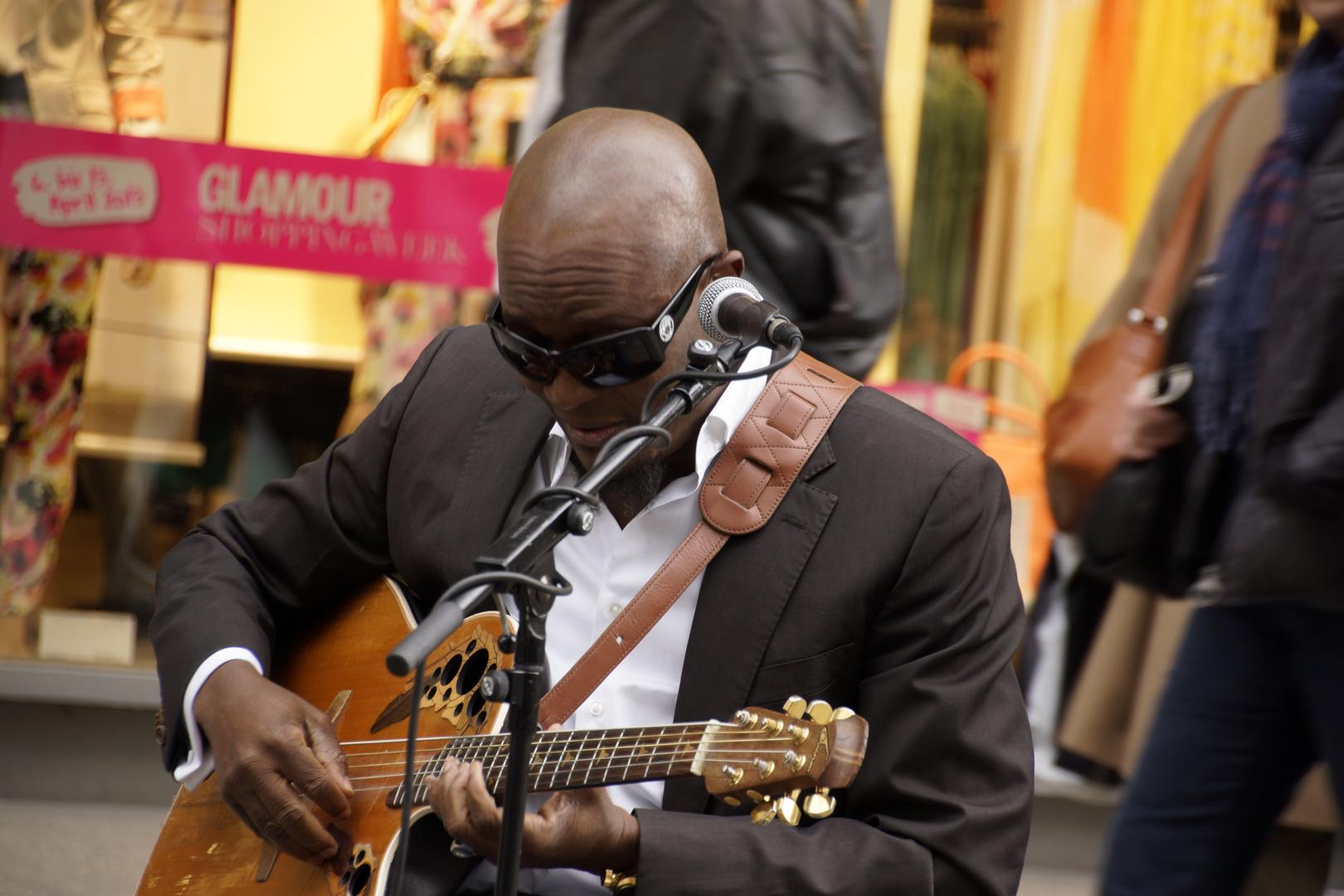Aaron Lordson - Strassenmusiker in Dresden