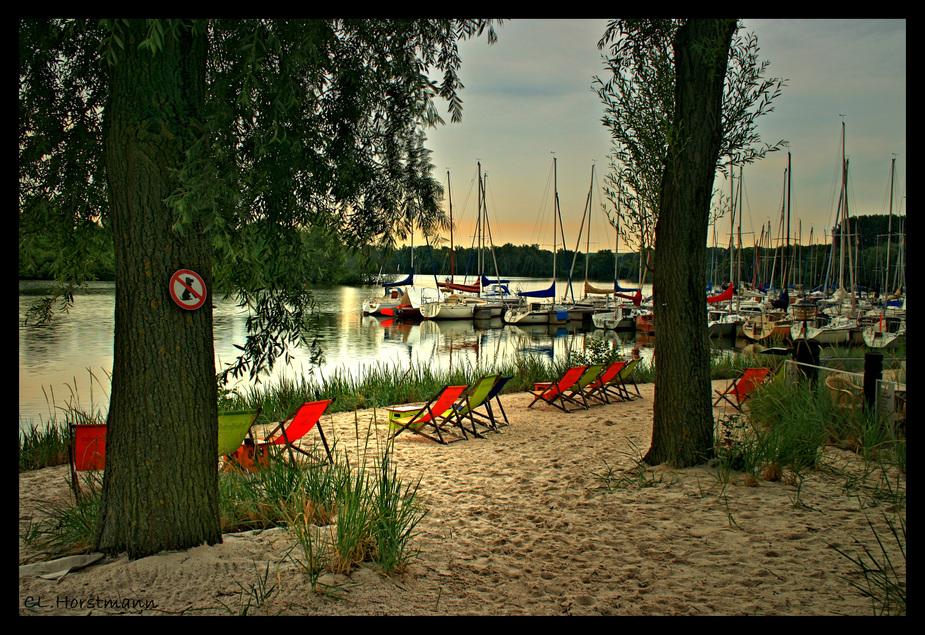 ...ab an den Strand...