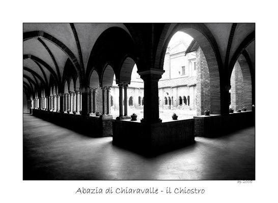 Abazia di Chiaravalle - Il Chiostro