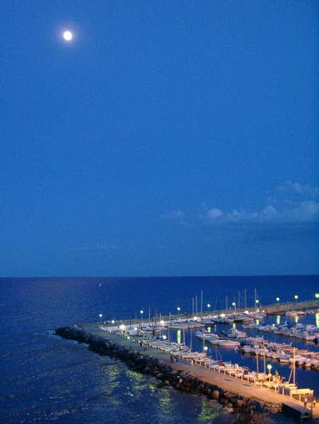 Abend an der Riviera