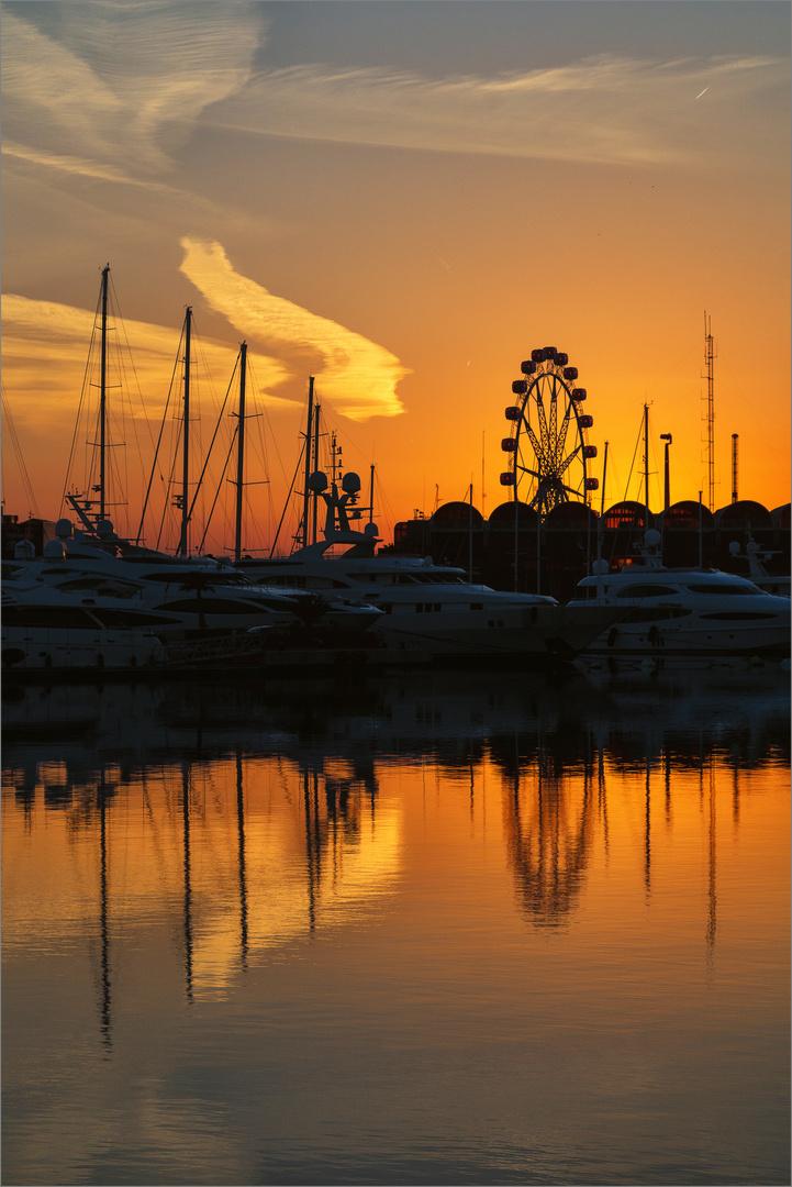 Abend im Hafen von Valencia