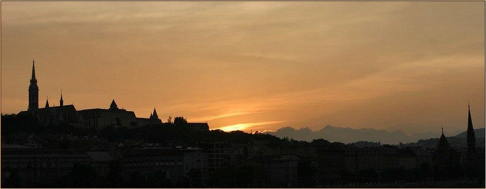 Abend über Budapest