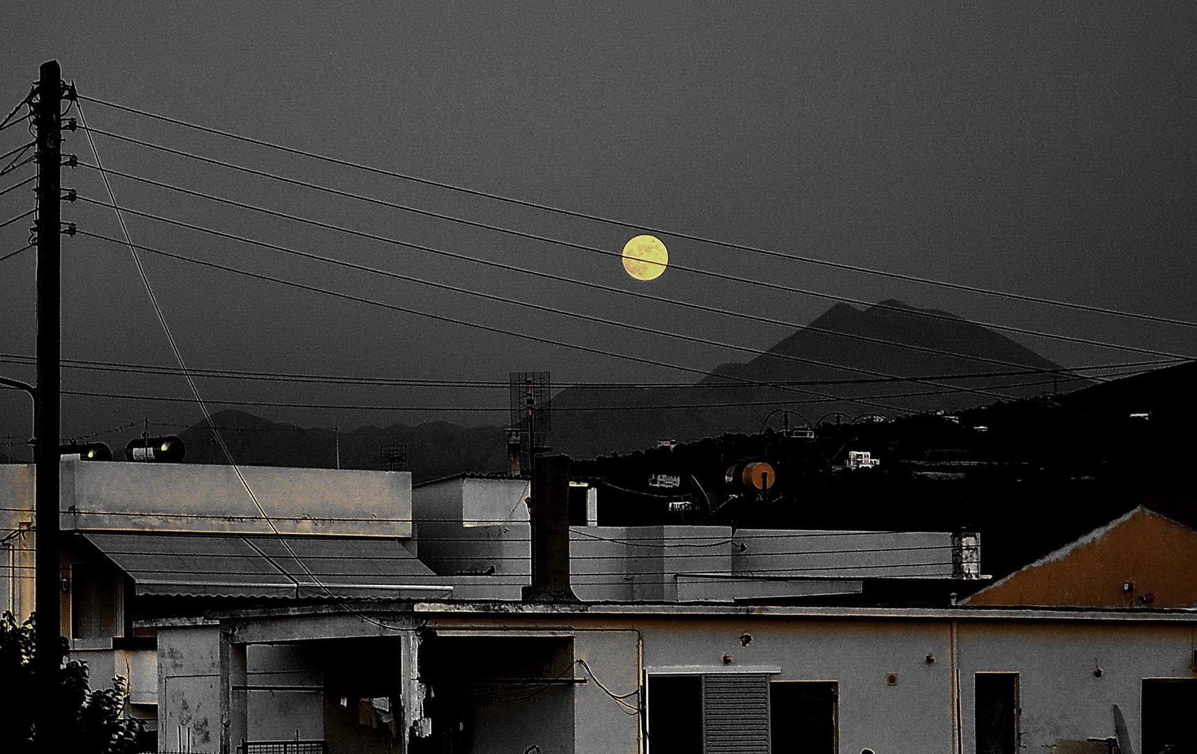 Abend über kretischen Dächern