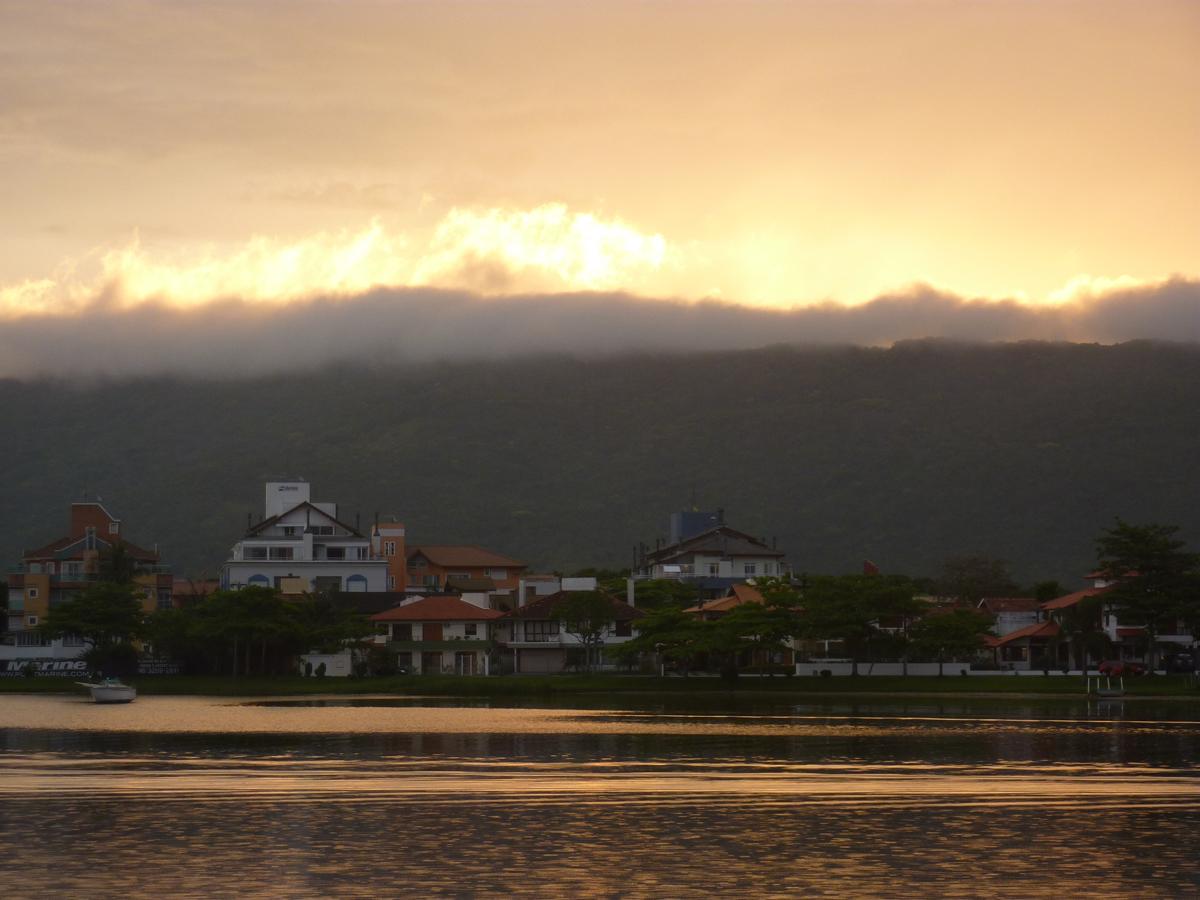 Abendaemmerung an der Laguna