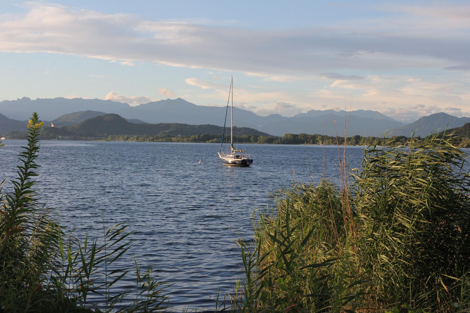 Abenddämmerung am Lago Maggiore August 2013