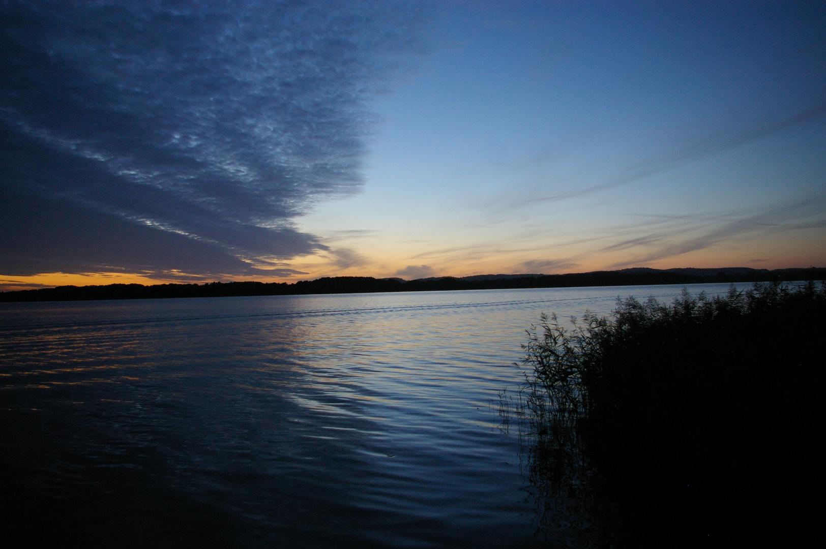 Abenddämmerung am Malchiner See