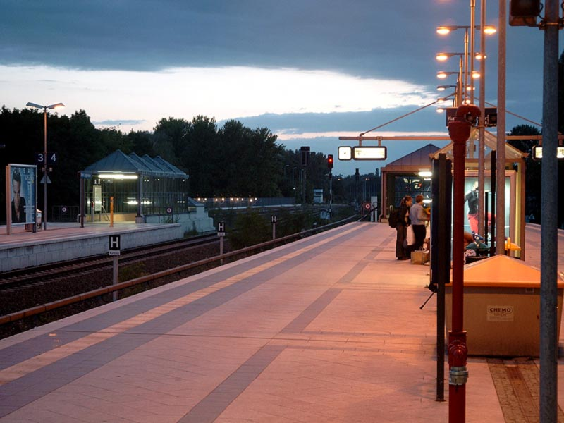 Abenddämmerung bei der S-Bahn