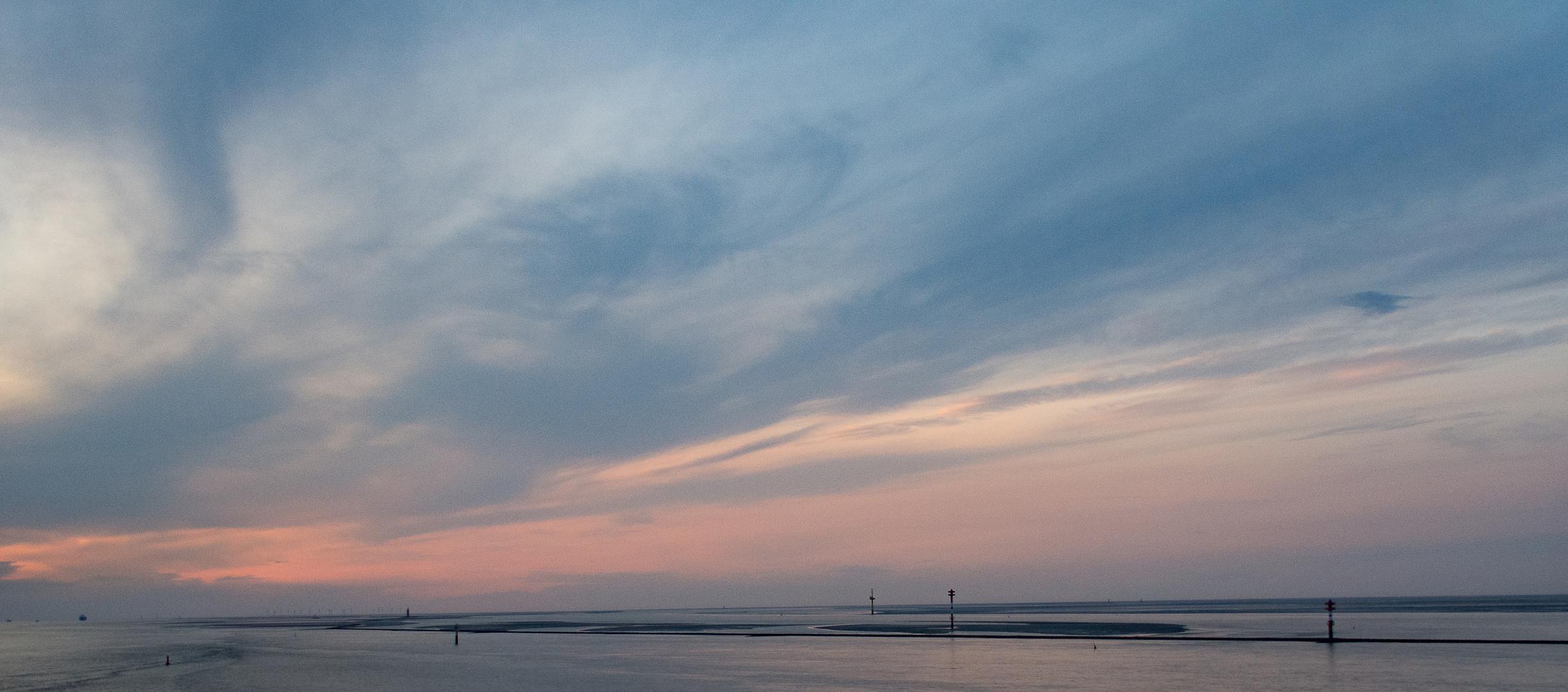 Abenddämmerung in der Wesermündung