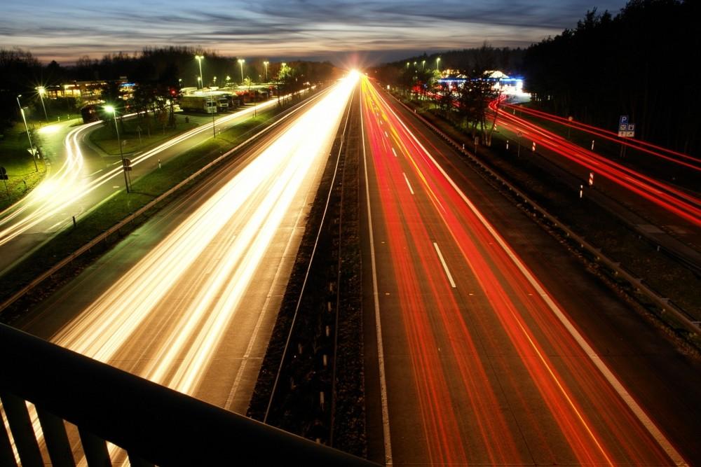 Abendes auf der Autobahn