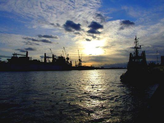 Abendhimmel im Haburger Hafen