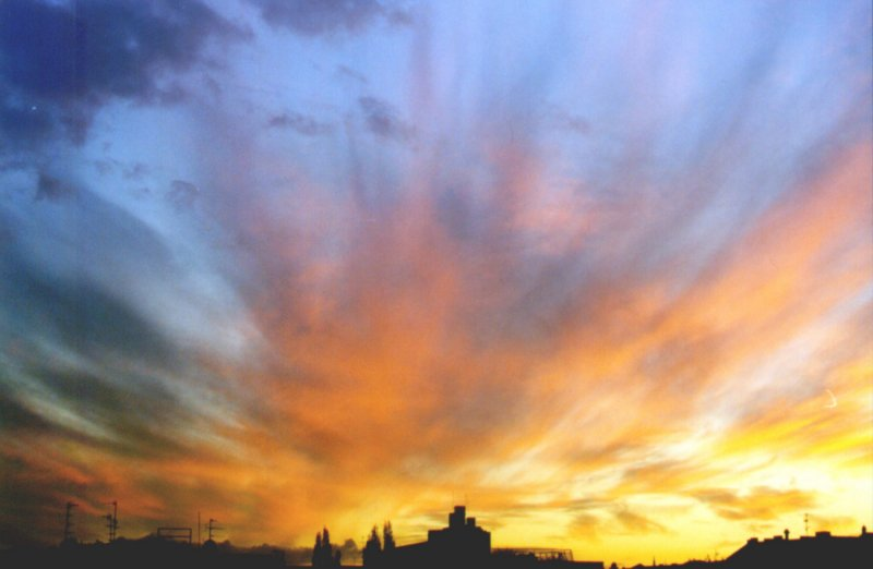 Abendhimmel über Berlins Dächer