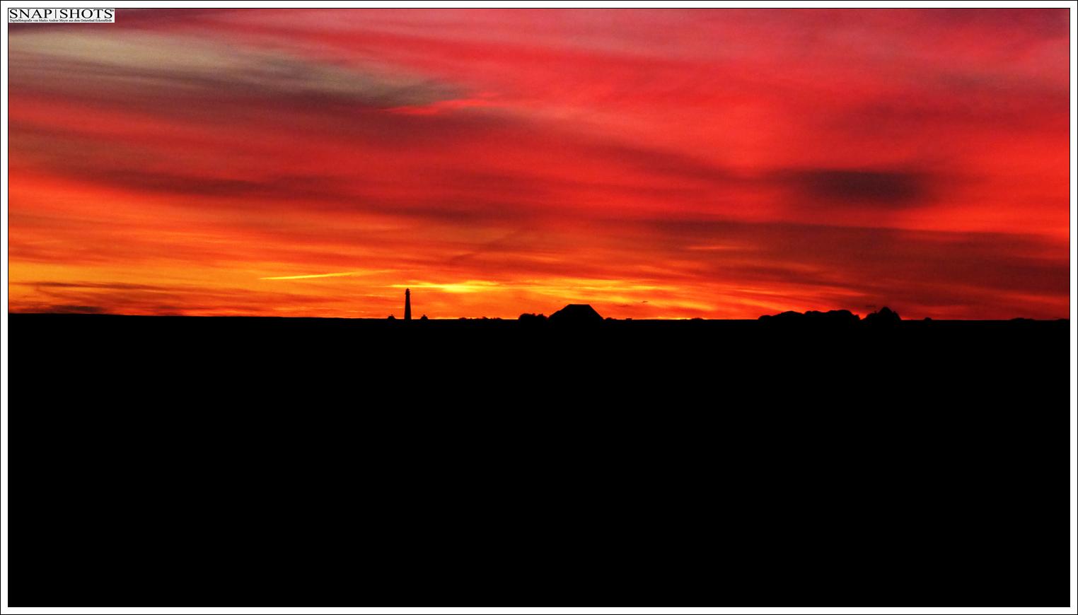 Abendhimmel über dem Westerhever Leuchtturm