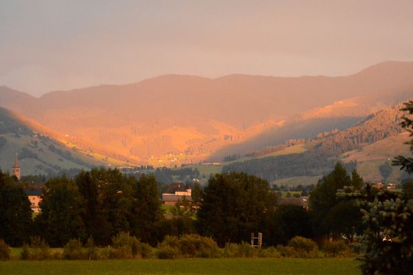 Abendleuchten im Gebirge
