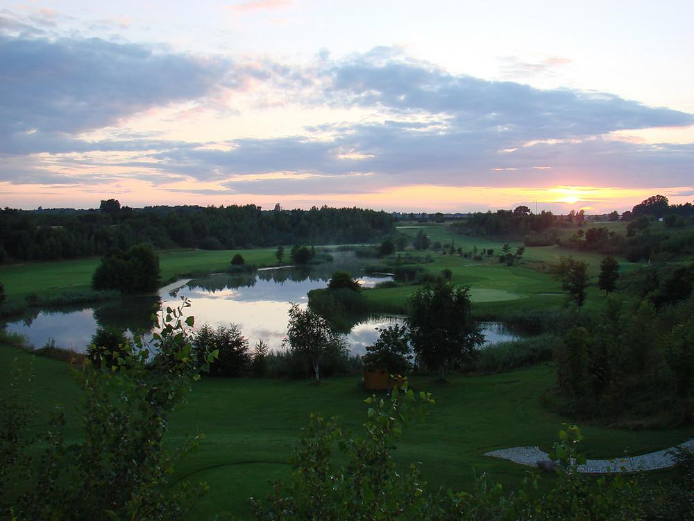 Abendliche Stimmung auf dem Golfplatz