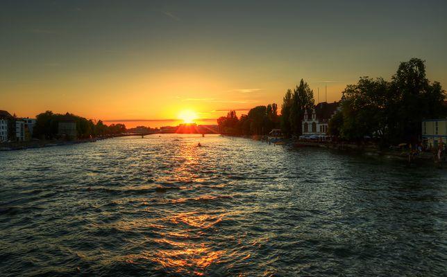 Abendlicher Blick auf den Rhein bei Konstanz