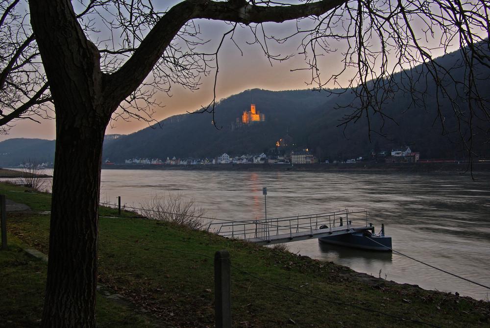 Abendlicher Blick auf Schloss Stolzenfels / Rhein