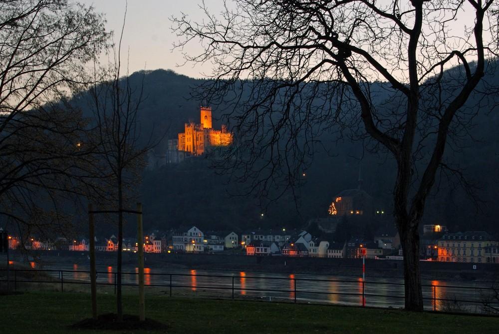 Abendlicher Blick auf Schloss Stolzenfels / Rhein (2)
