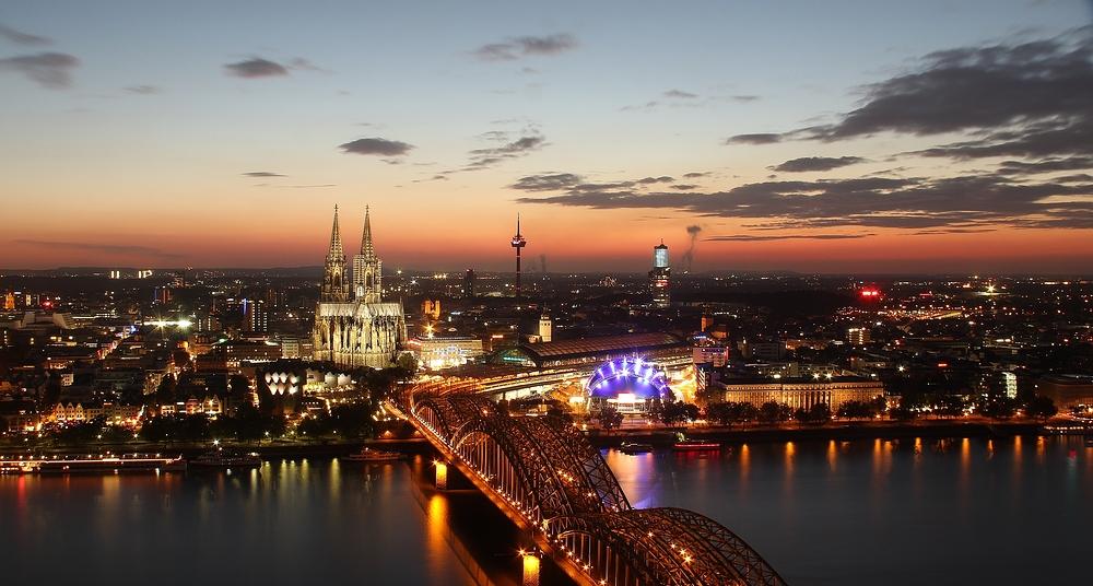 Abendlicher Blick über Köln...