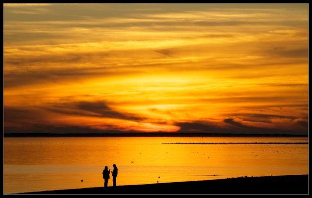 Abendlicher Disput am Strand ...