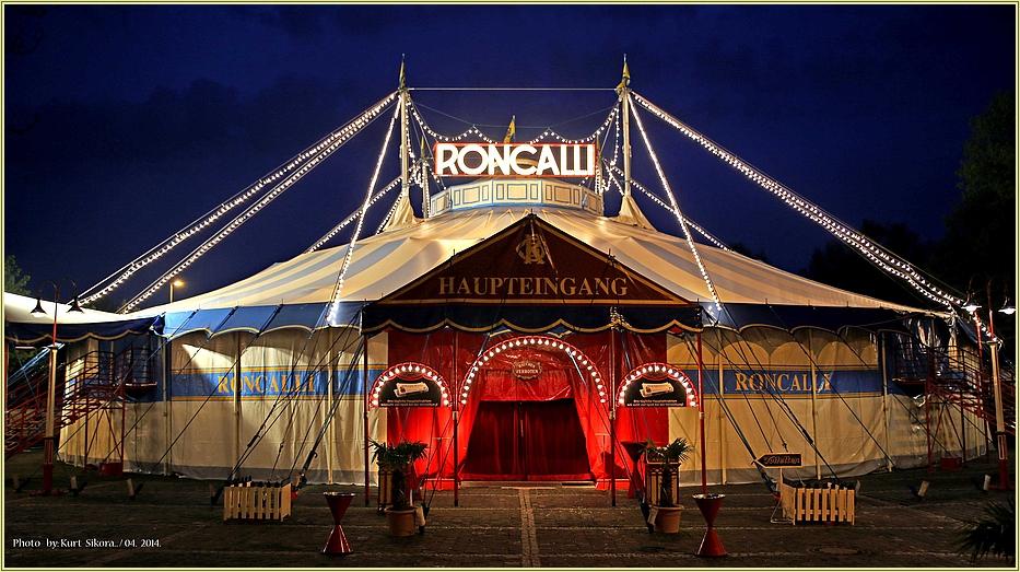 Abendlicher Zirkus