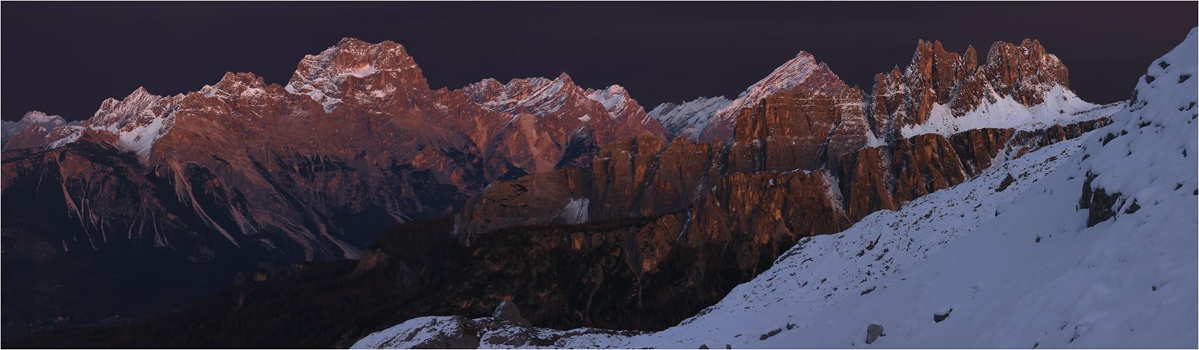 Abendliches Streiflicht in den Ampezzaner Dolomiten
