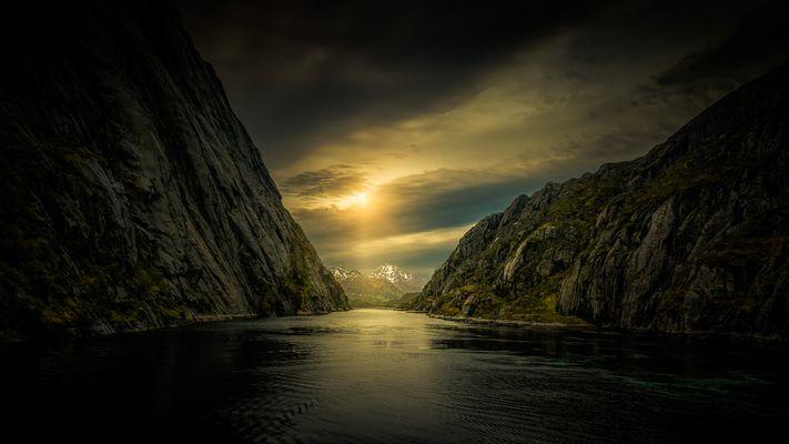 Abendlicht im Trollfjord