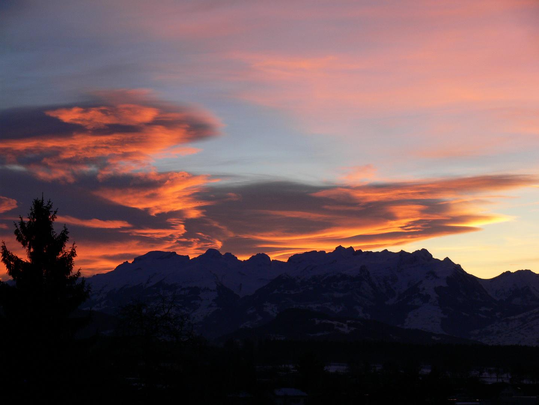 Abendrot über den Schweizer Grenzbergen