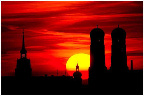 Abendrot über München