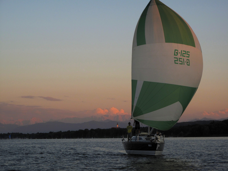 Abendrot während 24 Stunden Regatta / sunset 24hrs sailing regatta