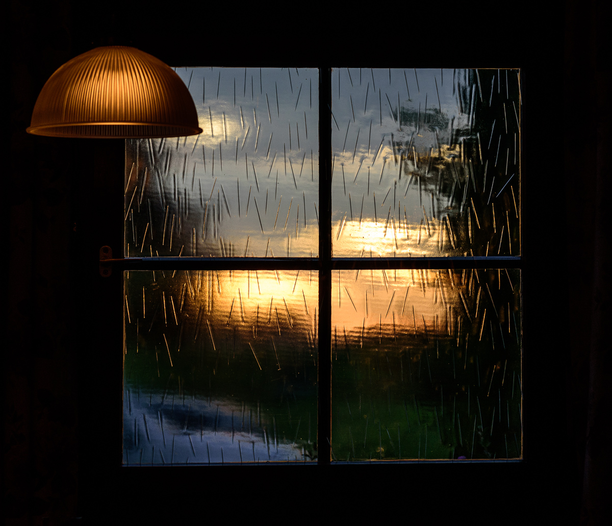 abends am fenster foto bild abendstimmung muster. Black Bedroom Furniture Sets. Home Design Ideas