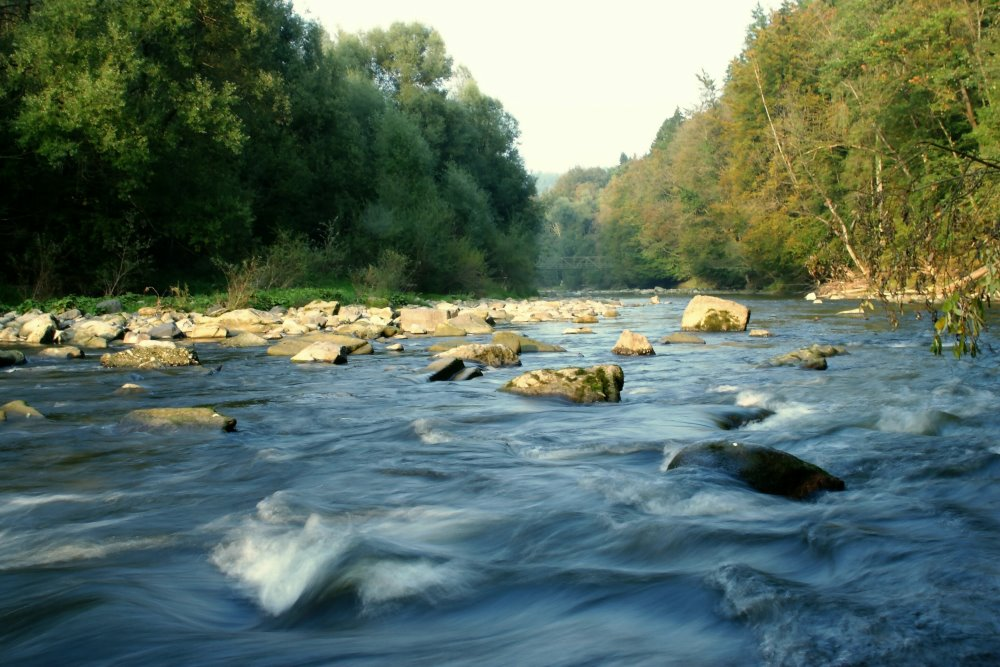 Abends am Fluss