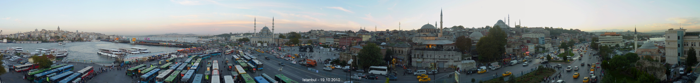abends am Goldenen Horn von Istanbul